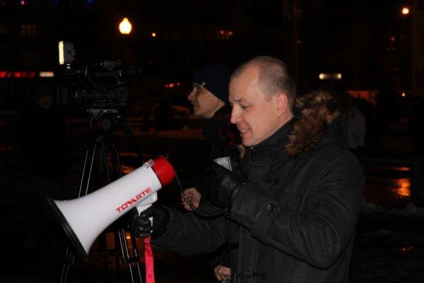Усинцы вышли на флешмоб к 70-летию Победы