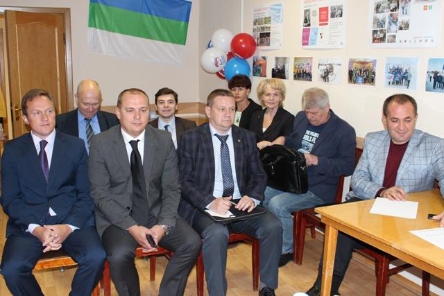 В Усинске сегодня с официальным визитом находятся Игорь Ковзель и Владимир Поневежский