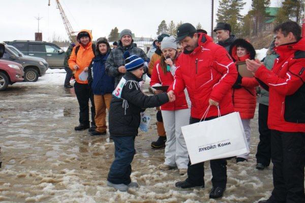 В Усинске прошли соревнования по зимней ловле рыбы «Усинский пингвин – 2016»