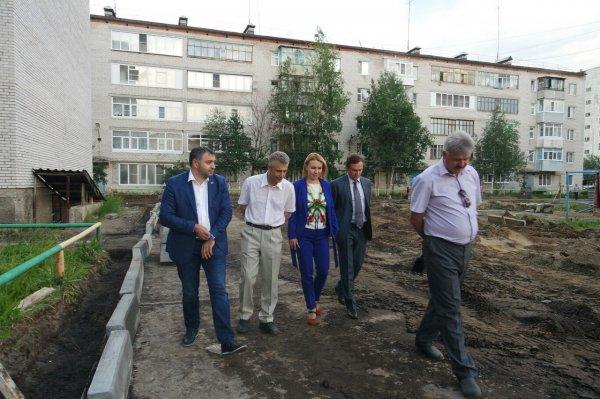Ремонт дворов и установку детских площадок оценили на местах