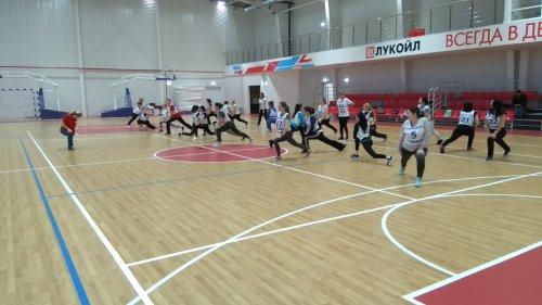 Сотрудники администрации Усинска приняли участие в выполнении нормативов по бегу