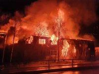 В Усинске из горящего дома эвакуировались 40 жильцов