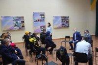 Глава Усинска встретился с жителями сгоревшего многоквартирного дома