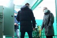 В Усинске идет замена лифтов