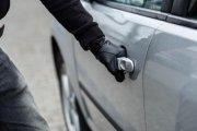 Житель Усинска не смог завести чужой автомобиль, зато смог его угнать