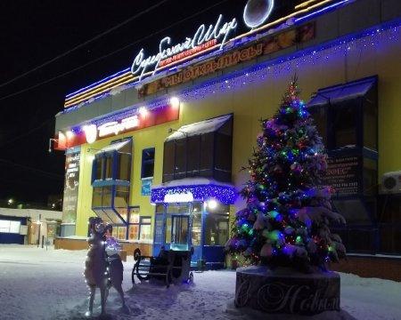 В Усинске подвели итоги конкурса на лучшее новогоднее оформление витрин