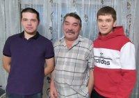 Ровесник ЛУКОЙЛа Александр Зюзелев с отцом Андреем Николаевичем и братом Павлом