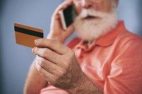 У усинского пенсионера с банковской карты похители 24 тысячи рублей