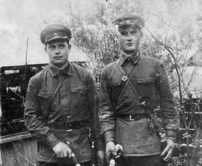 Иван Ткачук (справа)