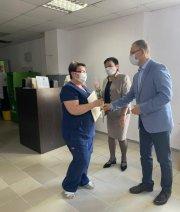 Медицинских работников поздравили с профессиональным праздником