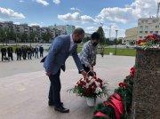 В День памяти и скорби у памятника-мемориала «Воинам трёх поколений» возложили цветы