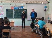 Полицейские и общественники Усинска встретились с ребятами из детского оздоровительного лагеря