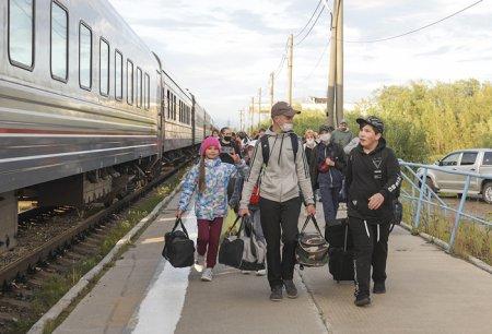 Так провожают поезда