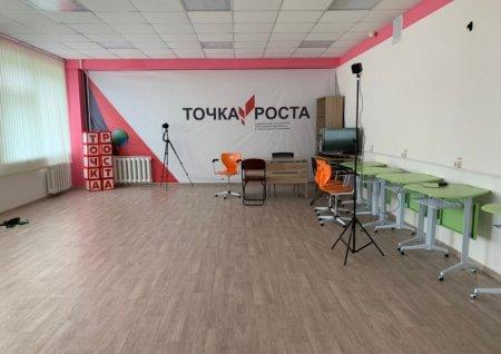 Глава Усинска Николай Такаев посетил с рабочим визитом школу в с. Усть-Уса